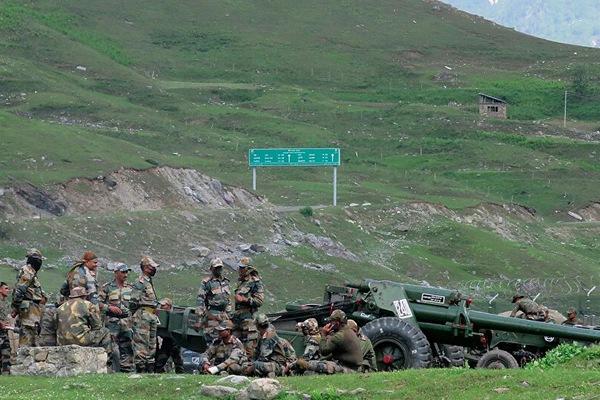 Ứng phó với Trung Quốc , Ấn Độ triển khai thêm vũ khí
