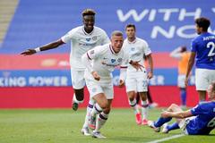 Chelsea thăng hoa, hất cẳng Leicester ra khỏi FA Cup