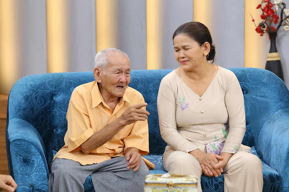 Chuyện tình của cụ ông 96 tuổi lấy vợ kém 36 tuổi