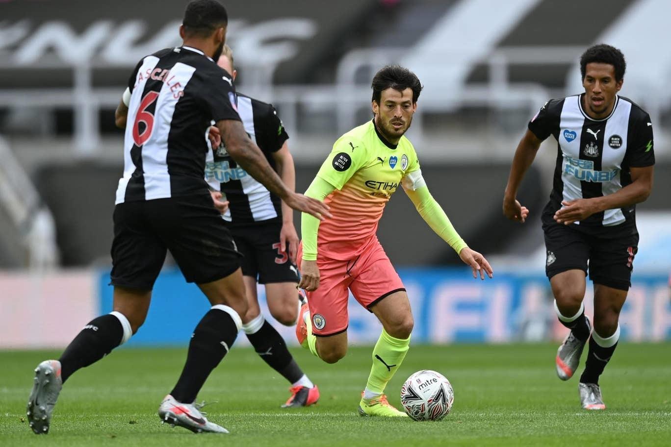 Thổi bay Newcastle, Man City hẹn Arsenal ở Wembley