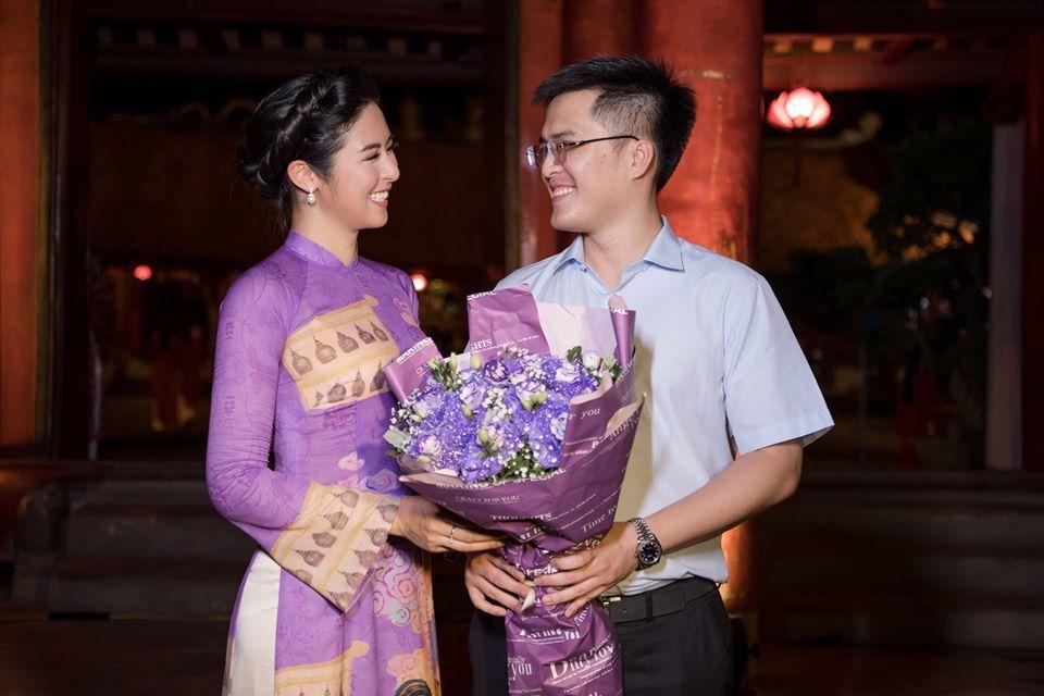 NSND Trà Giang, NSND Lan Hương đẹp đằm thắm với áo dài