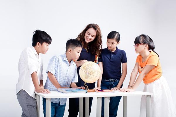 Bí quyết giúp con tự tin thuyết trình tiếng Anh từ độ tuổi THCS