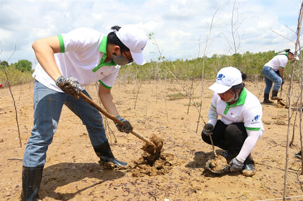 Students' take the lead in environmental protection activities