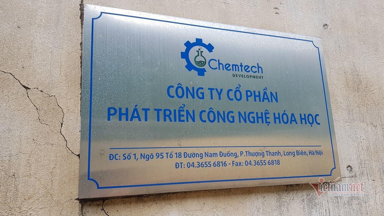 Cháy dữ dội kèm tiếng nổ từ kho hóa chất ở Hà Nội