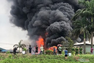 Điều tra, báo cáo vụ cháy kho hóa chất ở Hà Nội với Thủ tướng