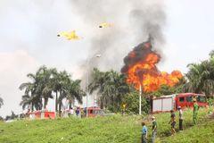 Chủ tịch Hà Nội yêu cầu công khai nồng độ hoá chất vụ cháy ở Long Biên