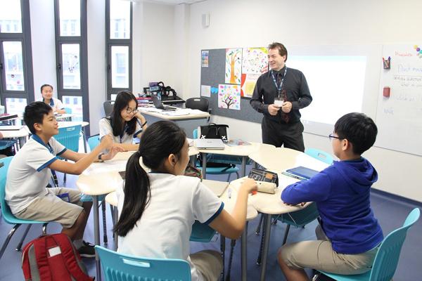 Trường EMASI: Gấp sách lại, trẻ học tiếng Anh ở thế giới xung quanh