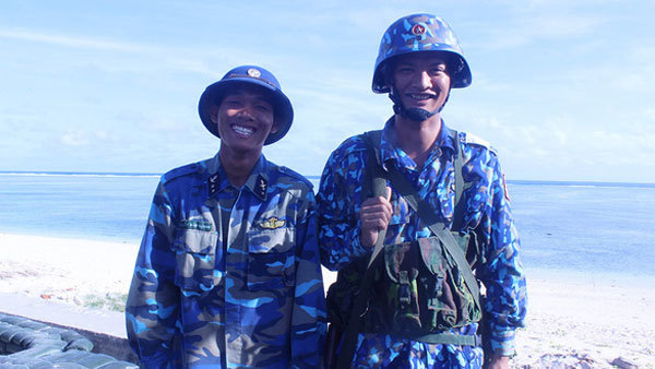 Truong Sa Archipelago,Son Ca Island,ethnic soldiers,proud