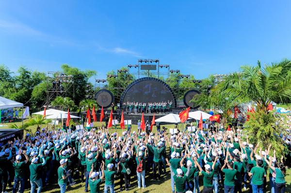 Hội trại 'Tuổi trẻ Vietcombank - Sắt son niềm tin với Đảng'