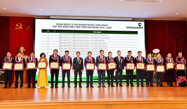 Vietcombank tổ chức Hội nghị điển hình tiên tiến lần thứ V