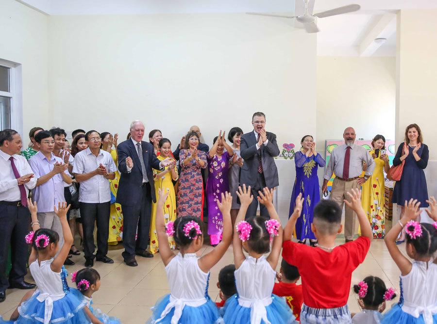 Đại sứ Mỹ khánh thành dự án bảo tồn di sản văn hóa UNESCO Thành nhà Hồ