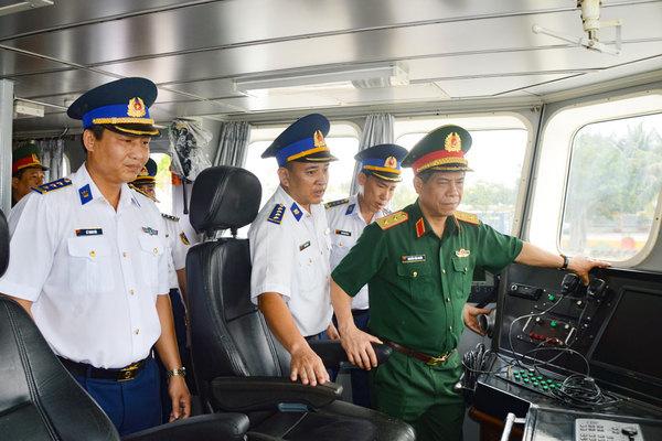 Kiểm tra công tác sẵn sàng chiến đấu tại Bộ Tư lệnh Vùng Cảnh sát biển 1