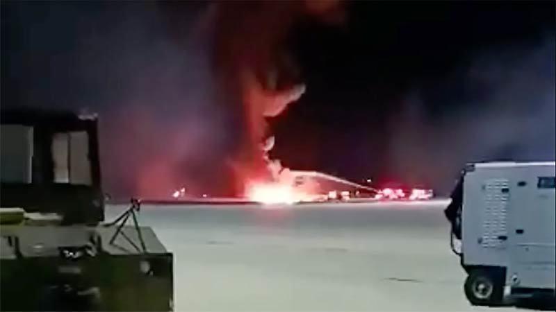 Chiến cơ Mỹ F-19 đâm xuống đất bốc cháy, phi công thiệt mạng