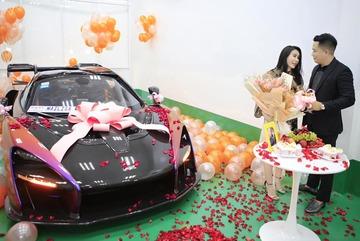 Đại gia Hoàng Kim Khánh tặng vợ siêu xe McLaren Senna 50 tỷ đồng