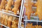 Bánh mì lạ nhất Việt Nam, dài hơn 1 mét, nặng 3,5 kg