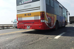 Hanoi to adjust 16 bus routes due to Thang Long Bridge repair