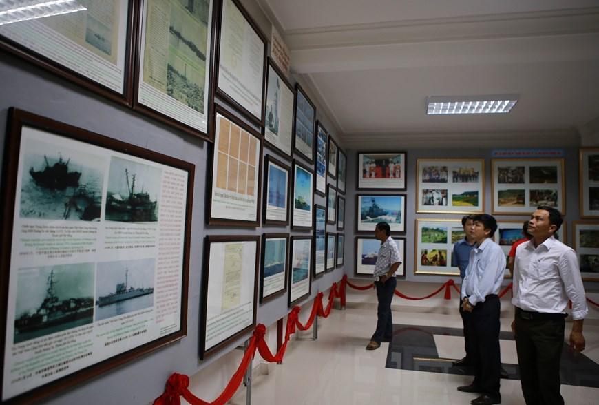 Hoang Sa,Truong Sa,mobile exhibition,sovereignty,Huong Hoa district,Quang Tri