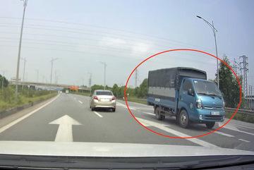 Xe chạy ngược chiều trên cao tốc Hà Nội – Bắc Giang