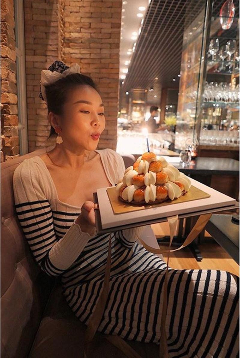 Sao 3/7: Chi Pu xinh như 'nàng tiên cá', Kim Lý chăm sóc Subeo