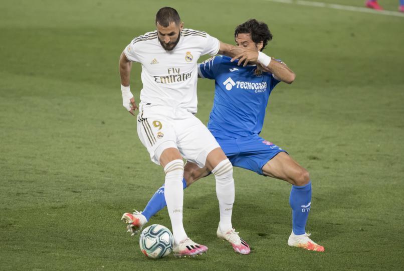 Ramos hóa người hùng, Real Madrid bỏ xa Barca 4 điểm