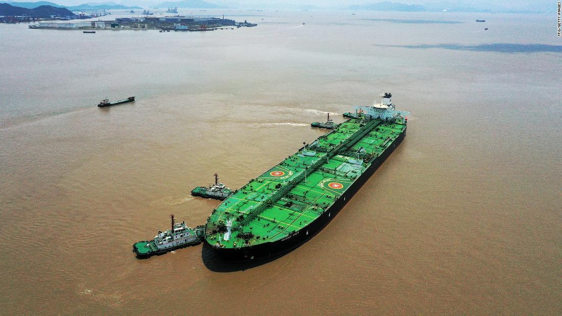 Bí ẩn kho dầu khổng lồ trên biển, thế giới dè chừng Trung Quốc