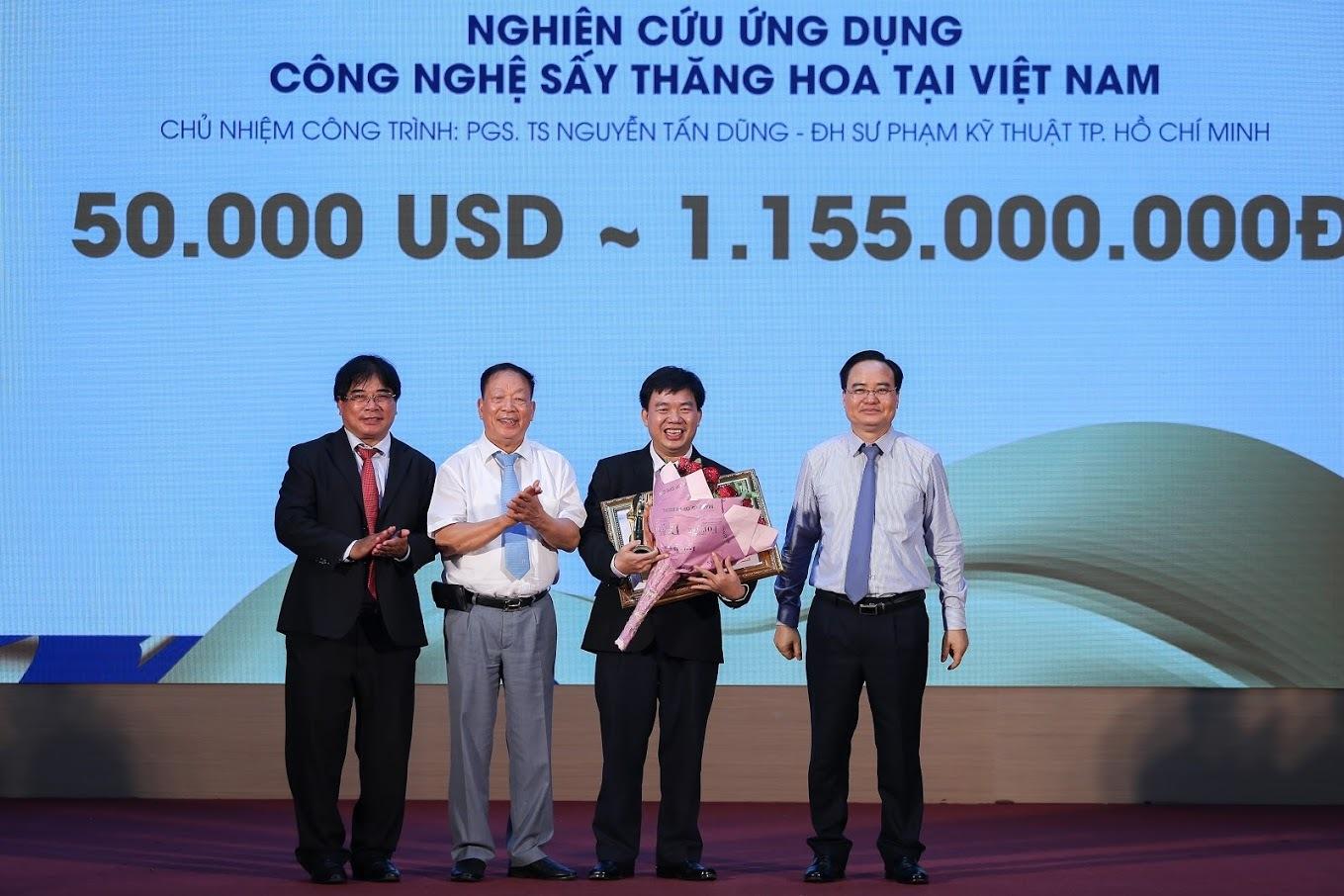 Công trình 20 năm giúp giảng viên giành 50.000 USD