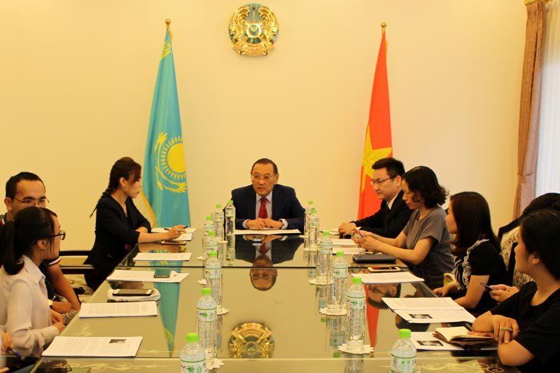 Đại sứ Kazakhstan ca ngợi thành tích chống Covid-19 của Việt Nam