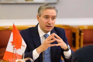 Canada ngưng hiệp ước dẫn độ với Hong Kong