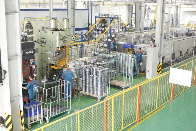 'Đột nhập' nhà máy sản xuất đồ gia dụng lớn bậc nhất Việt Nam