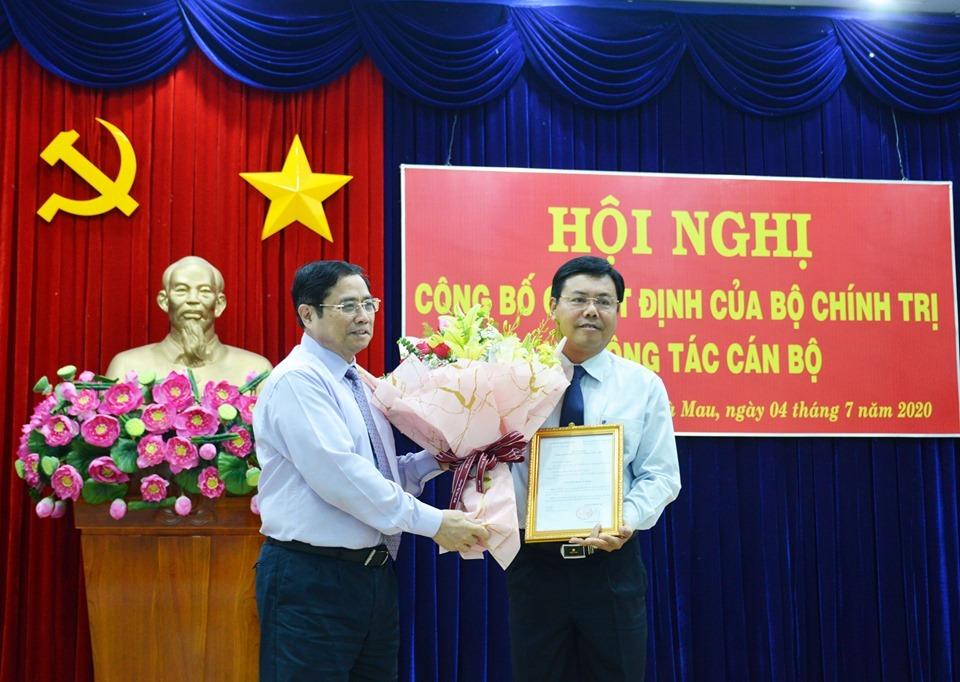 Bộ Chính trị chuẩn y Chủ tịch UBND tỉnh Cà Mau làm Bí thư tỉnh ủy
