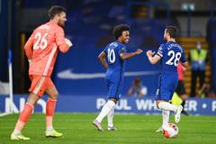 """Đại thắng """"ba sao"""", Chelsea đòi lại vị trí thứ 4"""