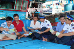 With Vietnam Coast Guard's companionship, fishermen understand more about the law