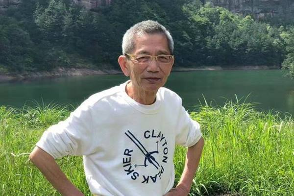 Đạo diễn 'Thiên Long Bát Bộ' qua đời vì ung thư vòm họng