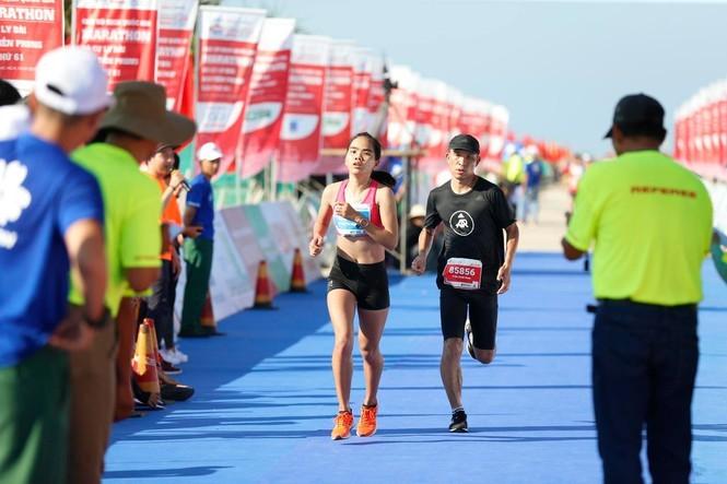 Hoàng Nguyên Thanh vô địch marathon giải chạy lâu đời nhất Việt Nam
