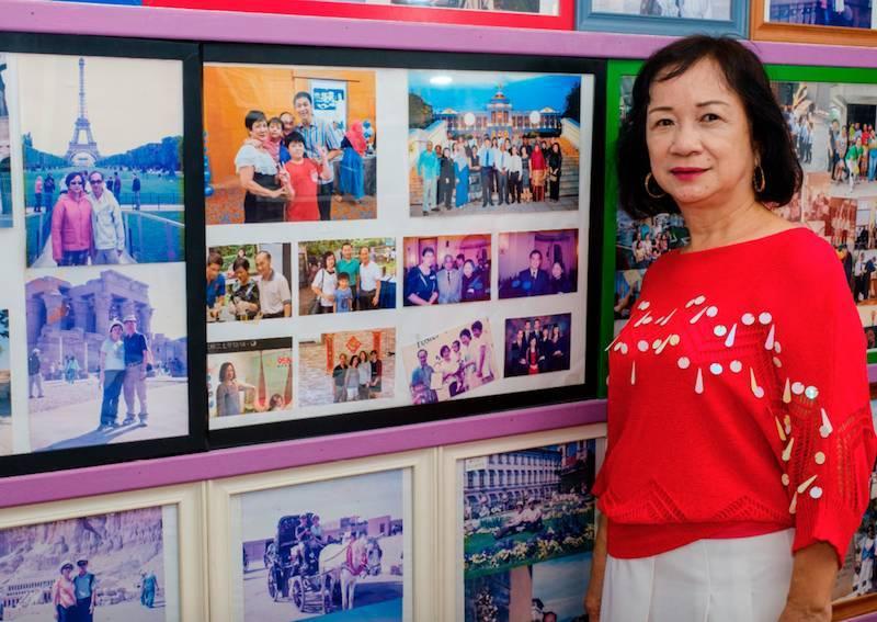 Cặp vợ chồng ở Singapore nhận nuôi 17 đứa trẻ trong 18 năm