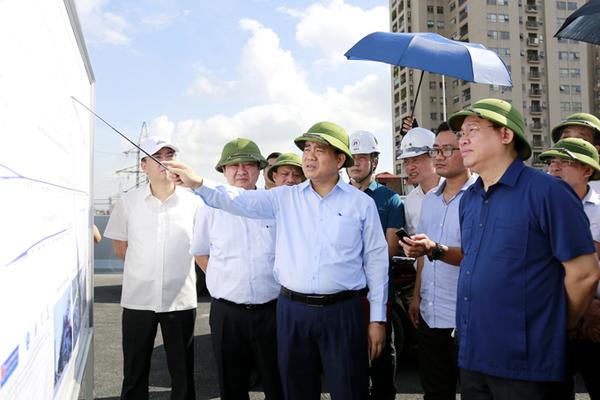 Bí thư Vương Đình Huệ đốc thúc năm dự án giao thông trọng điểm