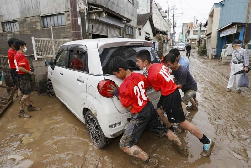 Tây nam Nhật Bản tan hoang vì mưa lũ, hàng chục người chết
