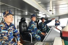 Tàu CSB 8003 tham gia tìm kiếm thuyền viên tàu cá bị nạn