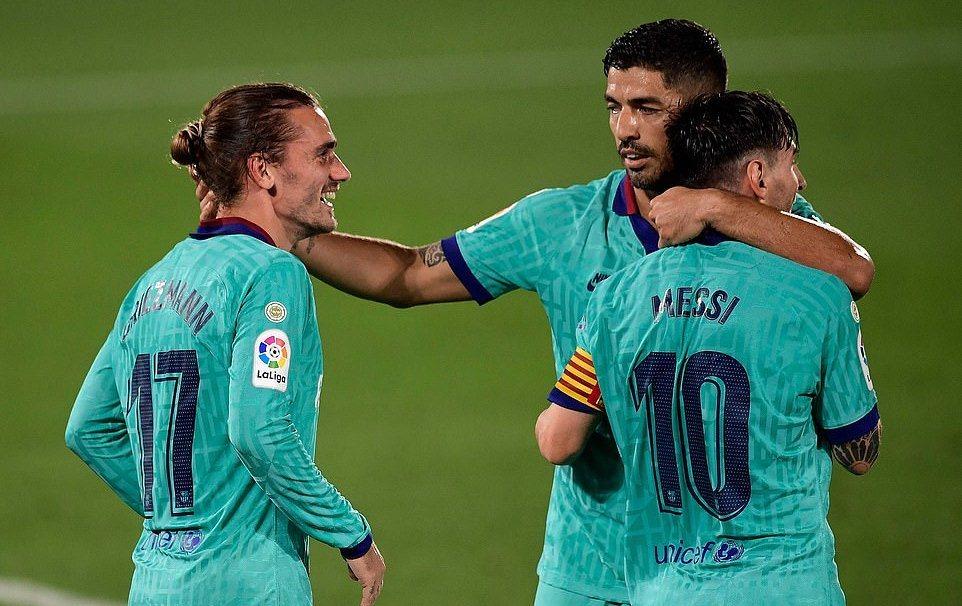 Nhấn chìm 'Tàu ngầm vàng', Barca giải tỏa sức ép
