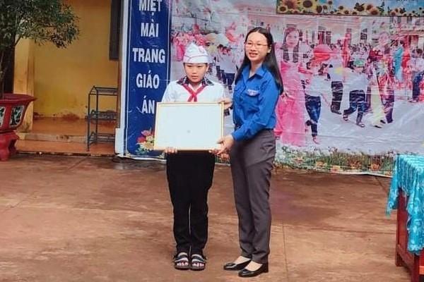 Trả lại 50 triệu đồng nhặt được, nam sinh nghèo ở Bình Phước được nhận nuôi