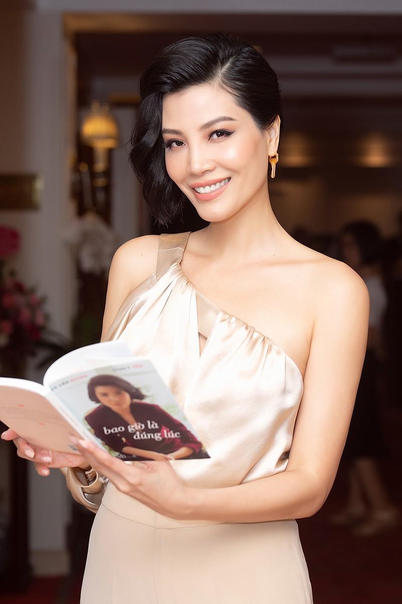 Vũ Cẩm Nhung: Với tôi, sách là mối lương duyên!