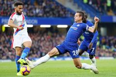 """Crystal Palace vs Chelsea: Thắng để """"cắt đuôi"""" MU"""