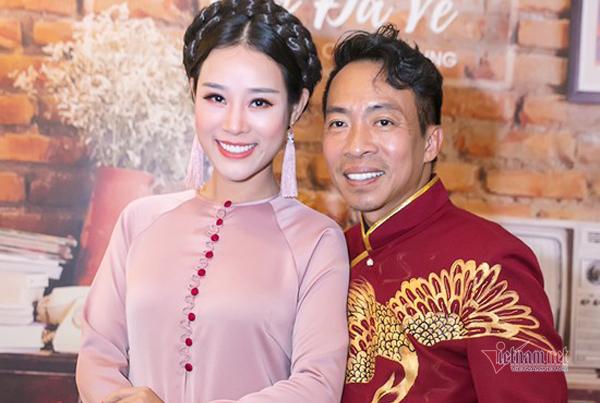 Vợ kém 18 tuổi của ca sĩ Việt Hoàn từng vỡ mộng đòi ly dị chồng