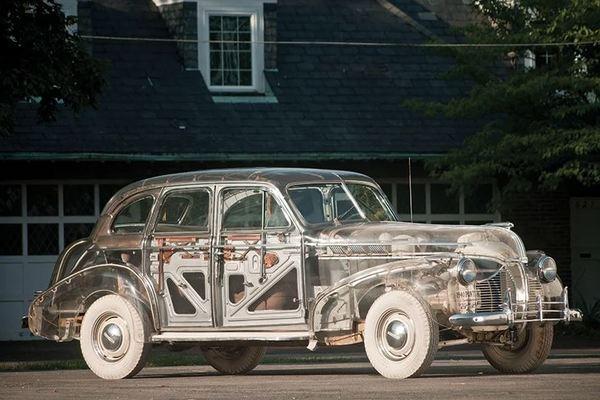 """Khám phá mẫu xe """"ma"""" Ghost Car trong suốt của GM"""