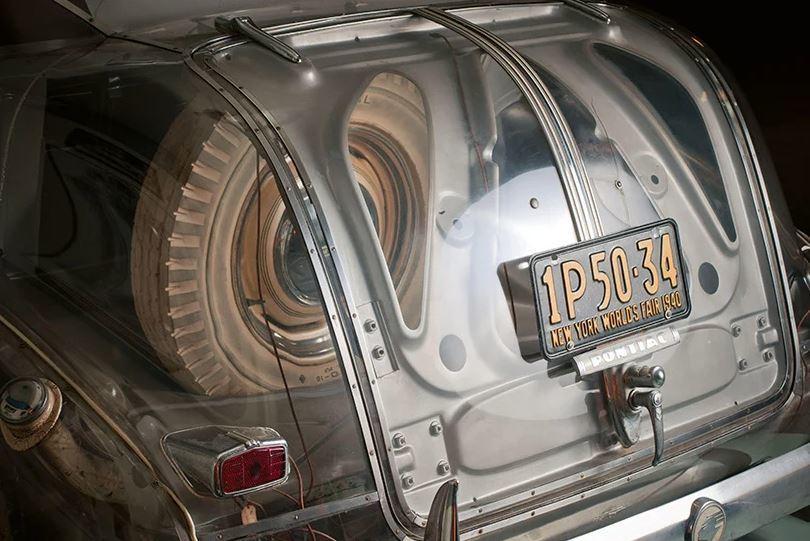 Khám phá mẫu xe 'ma' Ghost Car trong suốt của GM