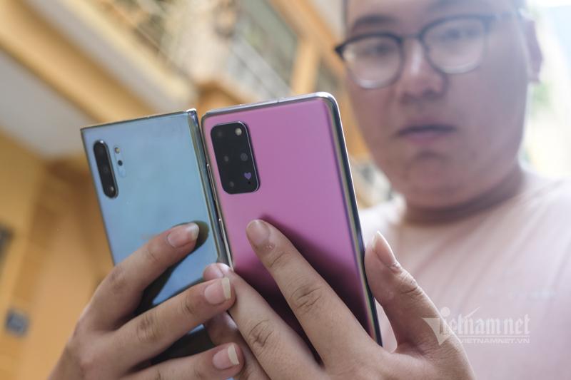 Sau giảm giá sốc, Samsung tung Galaxy S20+ bản tím hồng