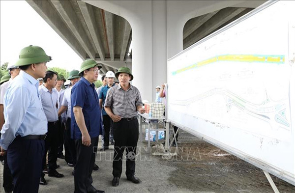 HanoiParty official orders major transport projects to speed up