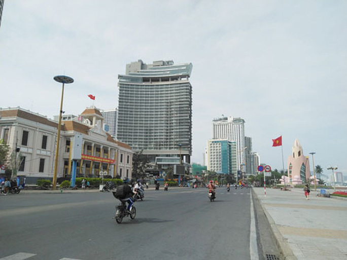 Vietnam considers allowing foreigners to buy tourism property