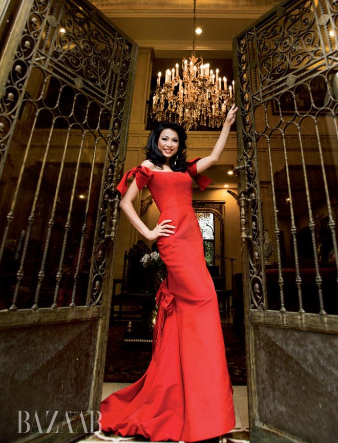 Bộ sách đứng sau vẻ đẹp 'biệt thự dát vàng' của Hoa hậu Ngô Mỹ Uyên
