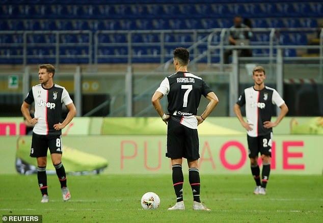Ibrahimovic khơi mào, Milan ngược dòng khó tin trước Juventus